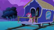 S02E24 Pinkie dociera na koniec pociągu
