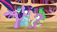 Twilight angry at Spike S3E01
