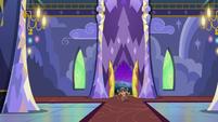 Yona bursting into the castle S8E21