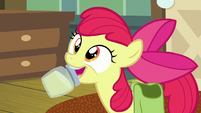 Apple Bloom presents jar of pear jam S7E13