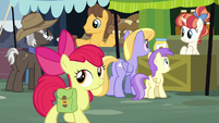 Apple Bloom walks through the market S7E13