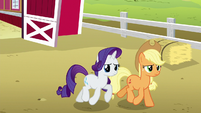 Applejack and Rarity follow Rainbow and CMC S6E15