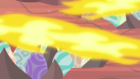 Fire heating up the dragon eggs S9E9