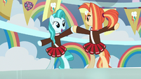 Lighthoof and Shimmy on hind hooves S9E15