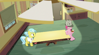 Pinkie Pie in Dr. Fauna's office S7E23