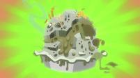 Rainbow Dash's terrible, smelly pie S7E23