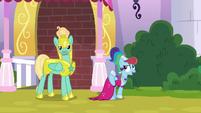 """Rainbow Dash """"step into the light"""" S9E4"""