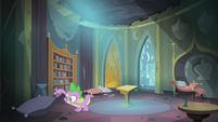 Spike searching for the magnifying glass S4E06