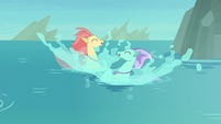 Hippogriffs emerge in seapony form S8E6