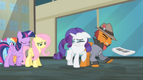 Rarity bumps into a pony S4E08