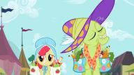 S02E12 Apple Bloom na zakupach z babcią