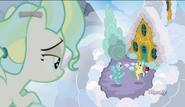 S06E24 Młoda Vapor Trail patrzy z chmury na swoich rodziców