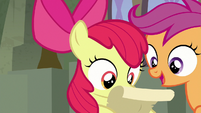Scootaloo adds to Seaquestria's list of pros S8E6