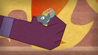 The sphinx captures Prince Hisan S7E18
