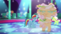 Apple Rose spins around the dance floor S8E5