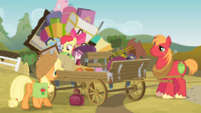 Applejack and siblings by wagon S4E09