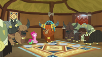 Rutherford and yaks impressed by Pinkie's appetite S7E11