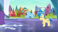Stallion backs away S3E2