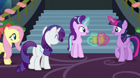 Starlight and Twilight clink their cider cups S6E8