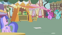 Berryshine, Sprinkle Medley, and Sea Swirl watch Fluttershy approach S1E05