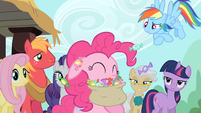 Pinkie Pie eating lots and lots of taffy S2E14