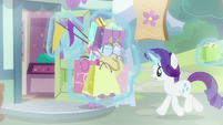 Rarity helping Spike with her bags S9E19