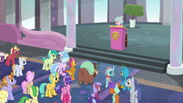 Students start to agree with Smolder S8E25
