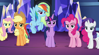 Twilight Sparkle's friends stick up for her S7E26
