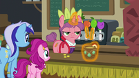 Convention juice bar pony serving drinks S6E13
