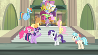 Main cast and Coco waving at each other S4E08