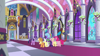 Twilight meets with friends and Discord again S9E17
