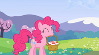 Pinkie Pie carrying a basket S2E03