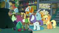 Rockhoof talking to Mage Meadowbrook S8E21