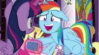 "Rainbow Dash ""everything's all ready!"" S9E17"