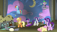Twilight and friends on the destroyed stage S8E7