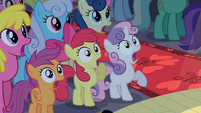 CMC gasping in crowd S2E11