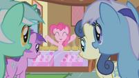 Pinkie Pie free muffins! S01E04