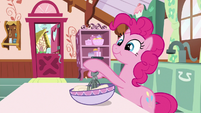 Pinkie Pie mixing cake batter S9E13