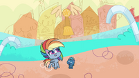 Rainbow tosses her trophy off her head PLS1E2a