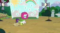 Rarity starts to cry S7E6