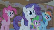 S01E09 Rarity, Spike i Rainbow w szoku