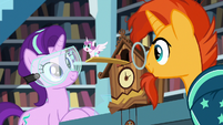 Starlight makes a Flurry Heart cuckoo clock S7E1