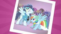 S02E26 Soarin i Rainbow Dash.png