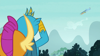 Smolder and Gallus see Rainbow in the sky S8E2