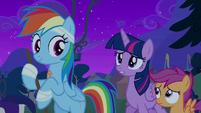 Twilight Sparkle greeting Rainbow Dash S6E7