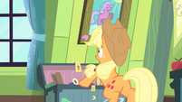 Applejack surprised S4E17