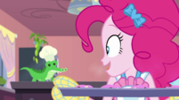 """Pinkie """"invented the perfect cookie"""" EGDS30"""