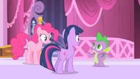Spike talks to Pinkie and Twilight S1E20