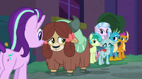 Starlight and Young Six back outside S8E26