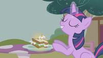 """Twilight Sparkle """"that's better"""" S1E03"""